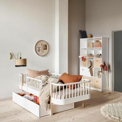 Oliver furniture Wood day bed 041405_041415_041416