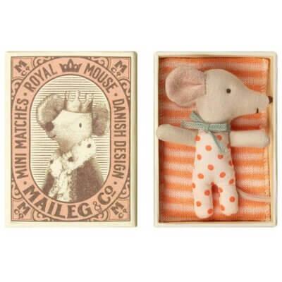 Maileg Babymaus Mädchen in Schachtel_Web
