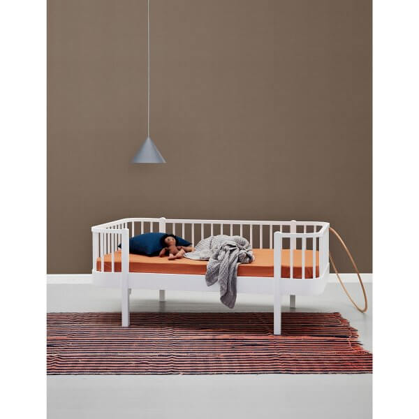 Oliver furniture Junior-Bettsofa weiss