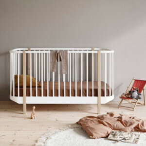 Oliver furniture Wood baby cot 041424