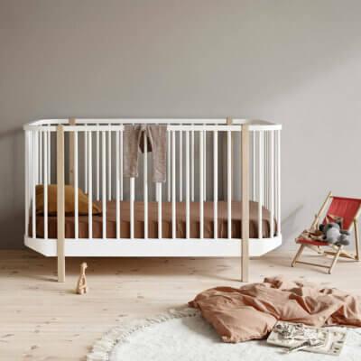 Oliver furniture Wood baby cot 041424