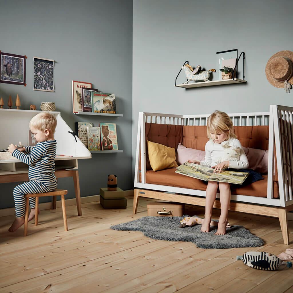 Leander Luna cot open white and desk_web