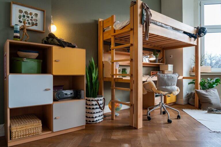 Hochbett mit Schreibtisch DESTYLE von de Breuyn